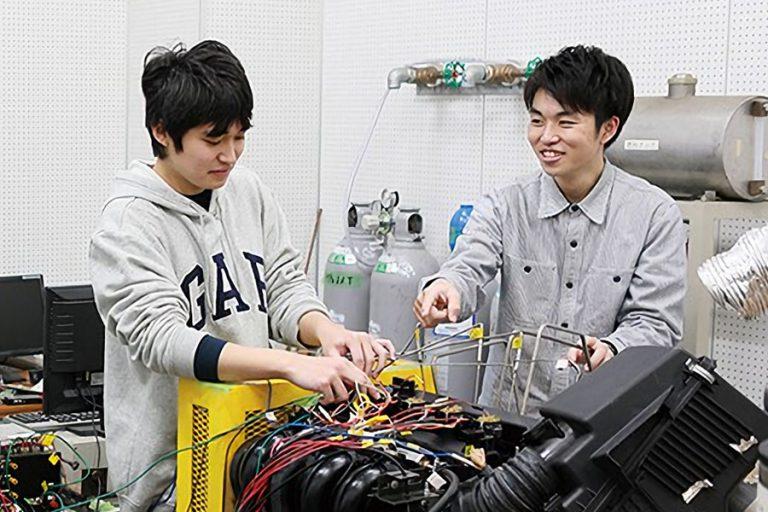 機械システム工学科